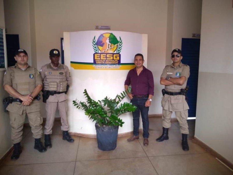 Policiamento na Escola Santa Genoveva em Augustinópolis