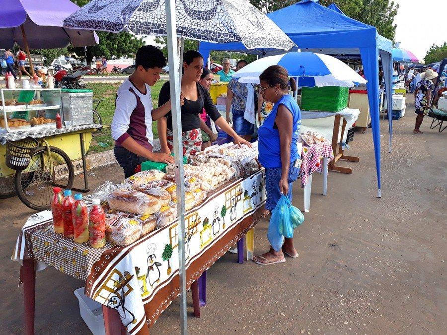 Para a vendedora Rosana de Melo, a Feira tem feito a diferença na economia da cidade (Foto: Wandson Santos)