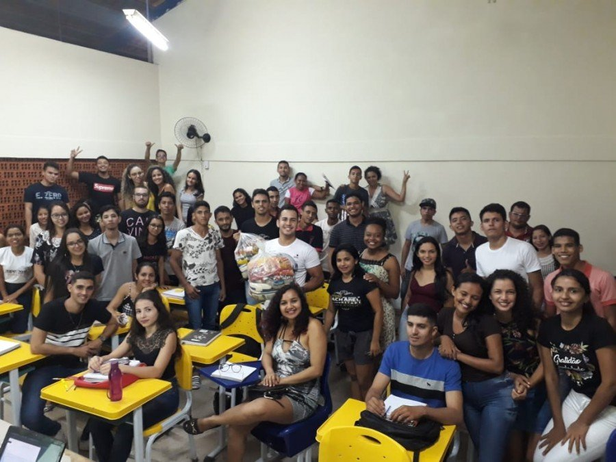 Trote Solidário promove arrecadação de alimentos na recepção aos calouros (Foto: Divulgação /Ascom Unitins)