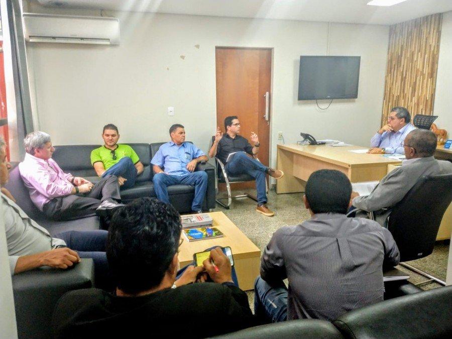 Deputado Jair Farias se reuniu com empresários do ramo de madeira e mobiliário