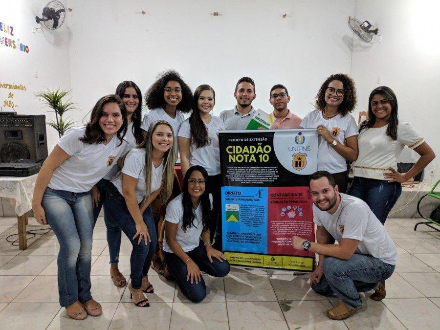 Acadêmicos do curso de Direito participaram da primeira ação em escola estadual (Foto: Câmpus Augustinópolis)