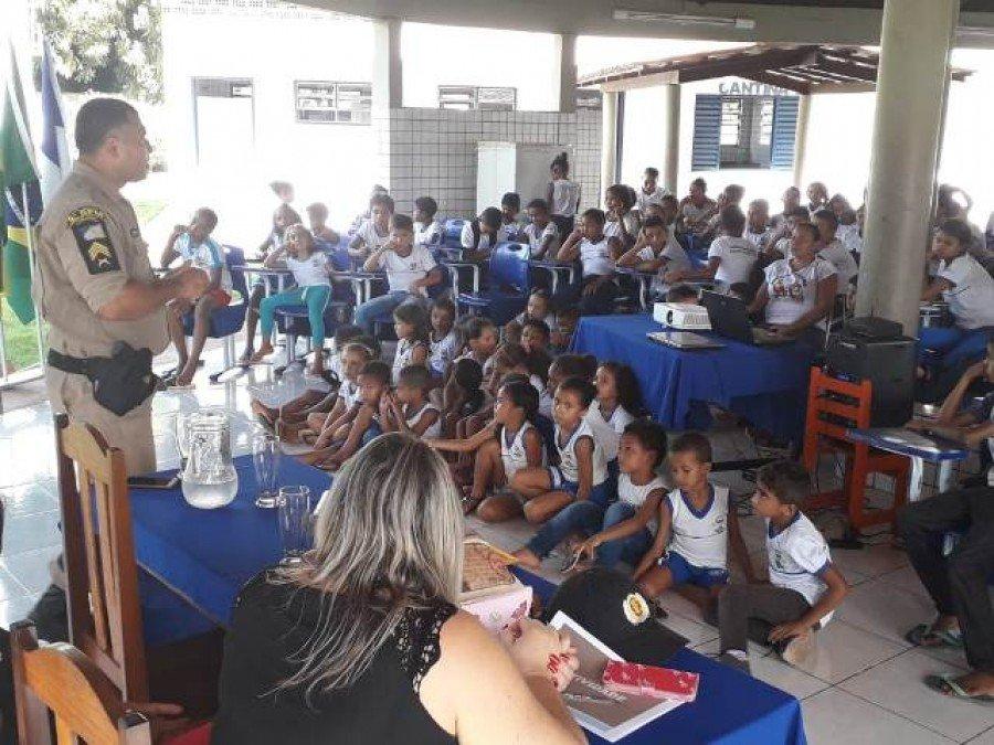 Palestra na escola municipal Aline Martins de Sousa, na cidade de Carrasco Bonito