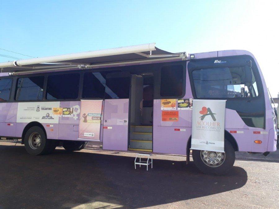 Ônibus lilás que percorreu cidades do norte do Estado