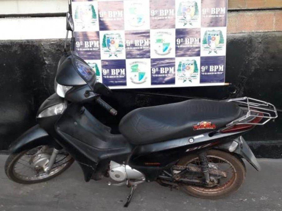 Motocicleta recuperada pela PM em São Bento do Tocantins