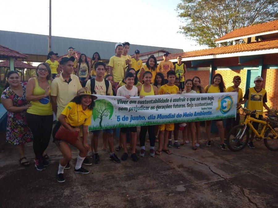 Em Tocantinópolis, o Colégio Estadual José Carneiro de Brito organizou uma gincana ecológica