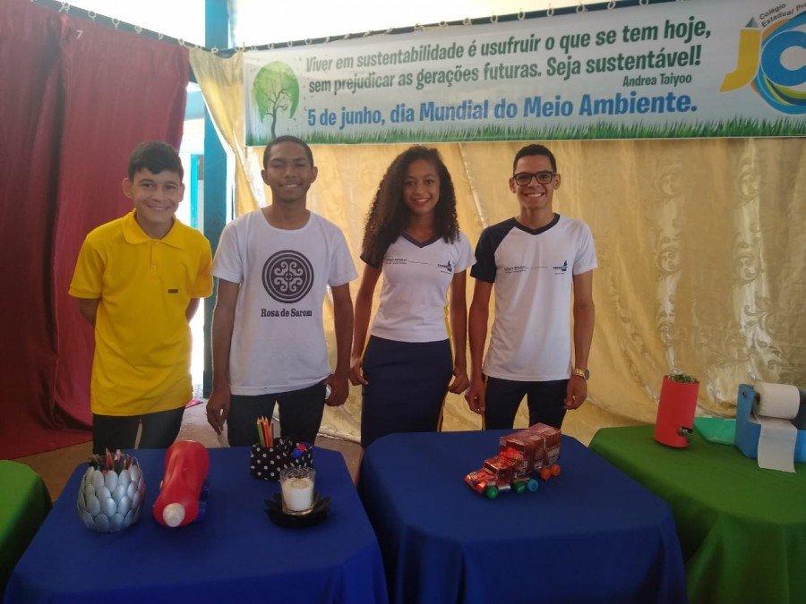 Exposição Sustentabiliarte de artesanato com material reciclado, em Tocantinópolis
