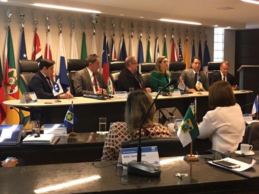 Prefeita durante plenária do Conselho Federal de Administração (CFA)
