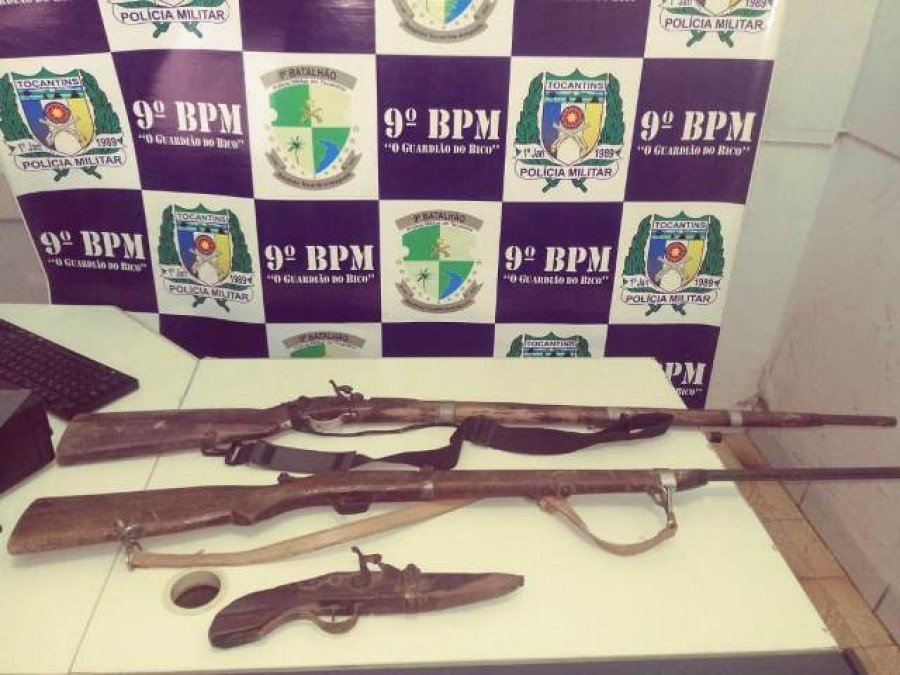 Armas apreendidas pela Polícia Militar em poder dos autores