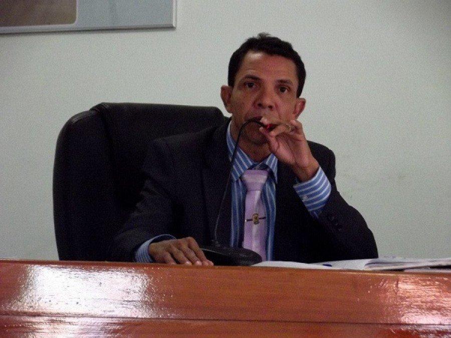 Vereador Irmão Azevedo estava preso há dois dias por descumprir medidas protetivas e se aproximar de mulher
