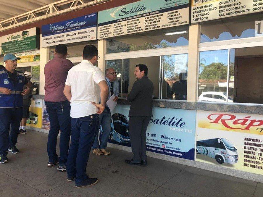 Usuários do transporte interestadual reclamaram que não estão conseguindo os benefícios previstos em lei (Foto: DPE Araguaína/Divulgação)