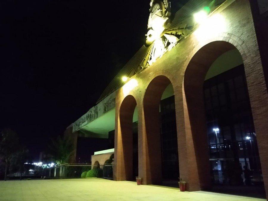 Palácio Araguaia recebe iluminação amarela, marcando a passagem do Dia Mundial de Prevenção ao Suicídio