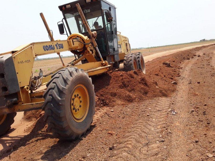 Rodovias pavimentadas e sem pavimentação são beneficiadas pelos serviços (Foto: Divulgação/Ageto)