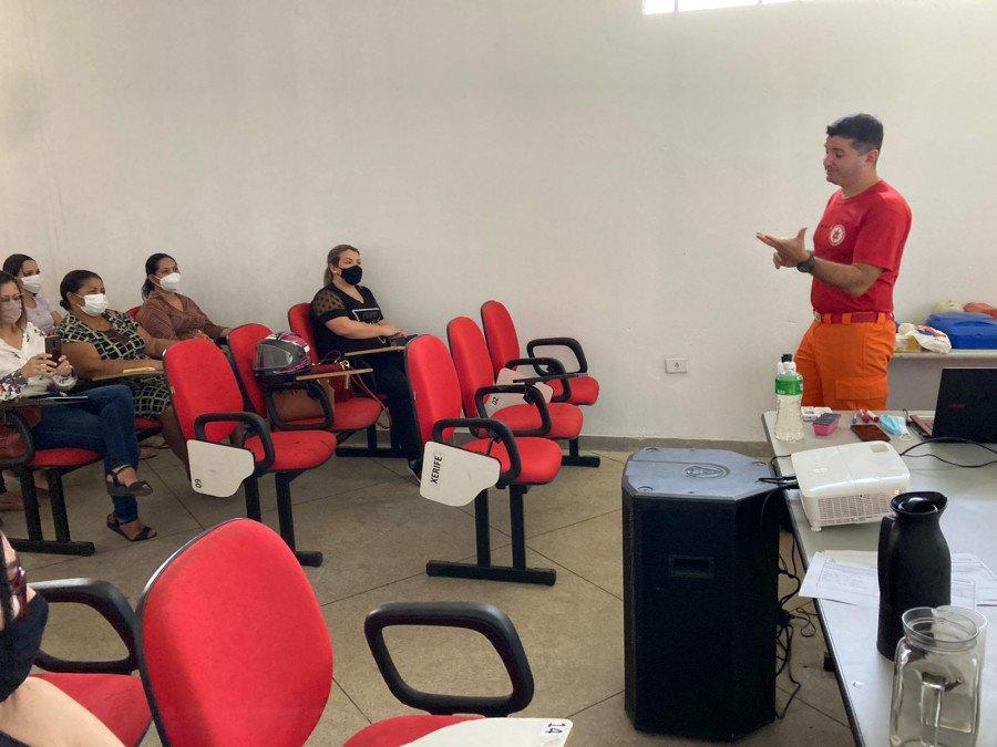 O curso é ministrado pelos bombeiros militares, na sede do Corpo de Bombeiros de Gurupi (Foto: Divulgação)