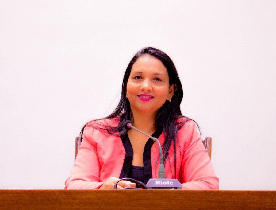Deputada Vanda Monteiro conseguiu aprovação de requerimentos para infraestrutura e educação do Tocantins (Foto: Flávia Samylla)