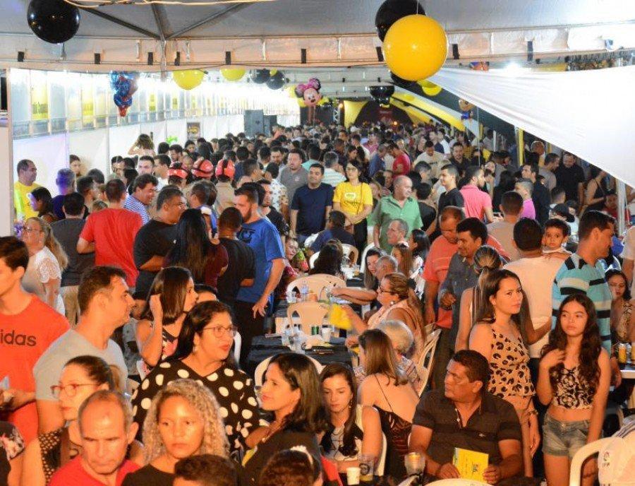 Festival de Chambari de Paraíso, que já está em sua segunda edição, reuniu centenas de famílias (Foto: Rogério Ramos)