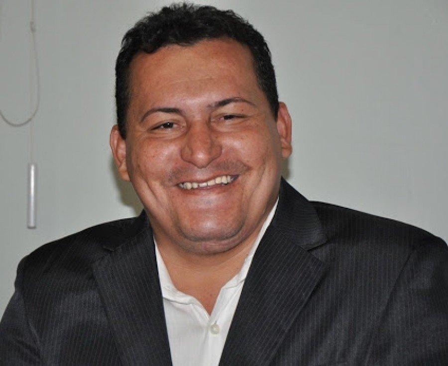 Vereador Antônio José Queiroz dos Santos se entregou na delegacia de Paraíso