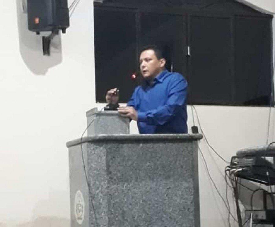 Vice assumiu Prefeitura de Augustinópolis após prefeito ser cassado por corrupção