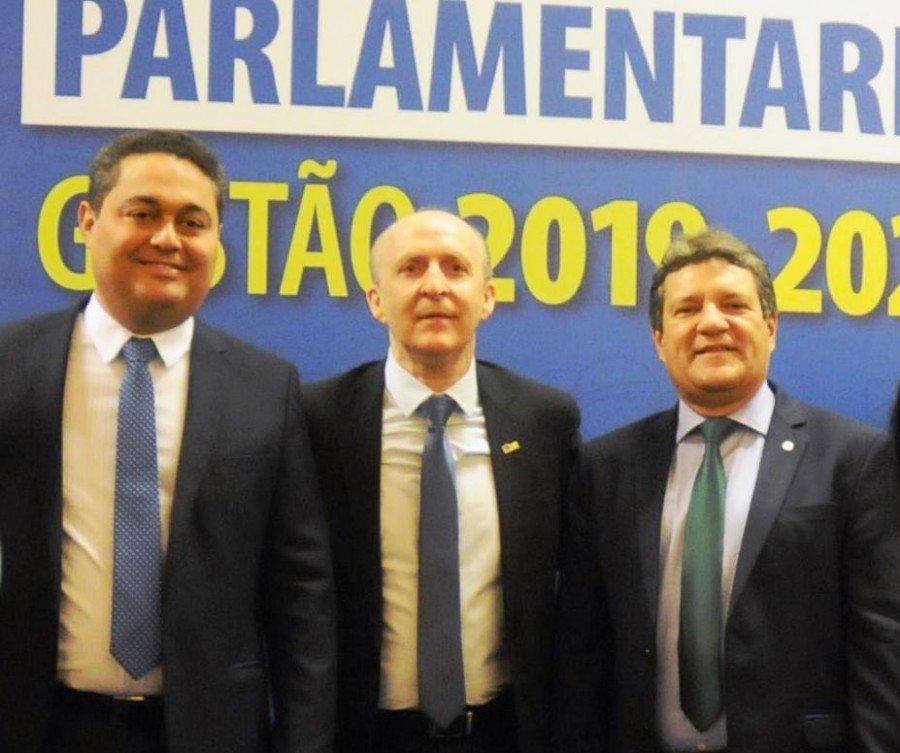 Presidente da ATM Jairo Mariano, Pres. da CNM Glademir Aroldi e deputado Osires Damaso