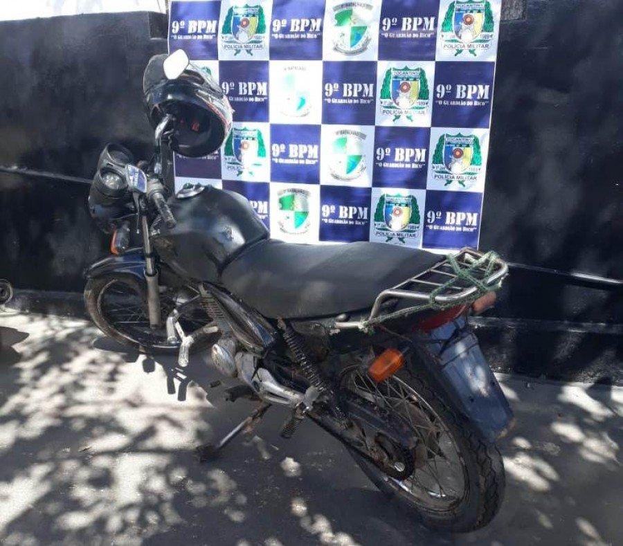 Motocicleta apreendida pela PM em Araguatins