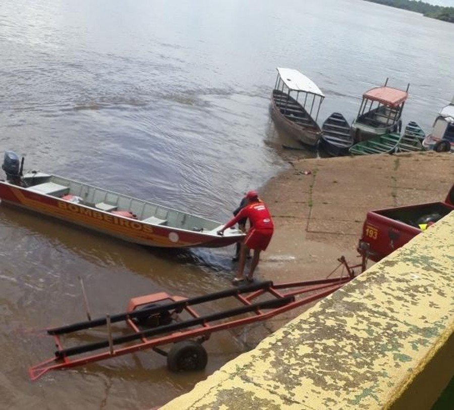 Corpo de Bombeiros procuram garoto que desapareceu no rio Araguaia (Foto: Divulgação)