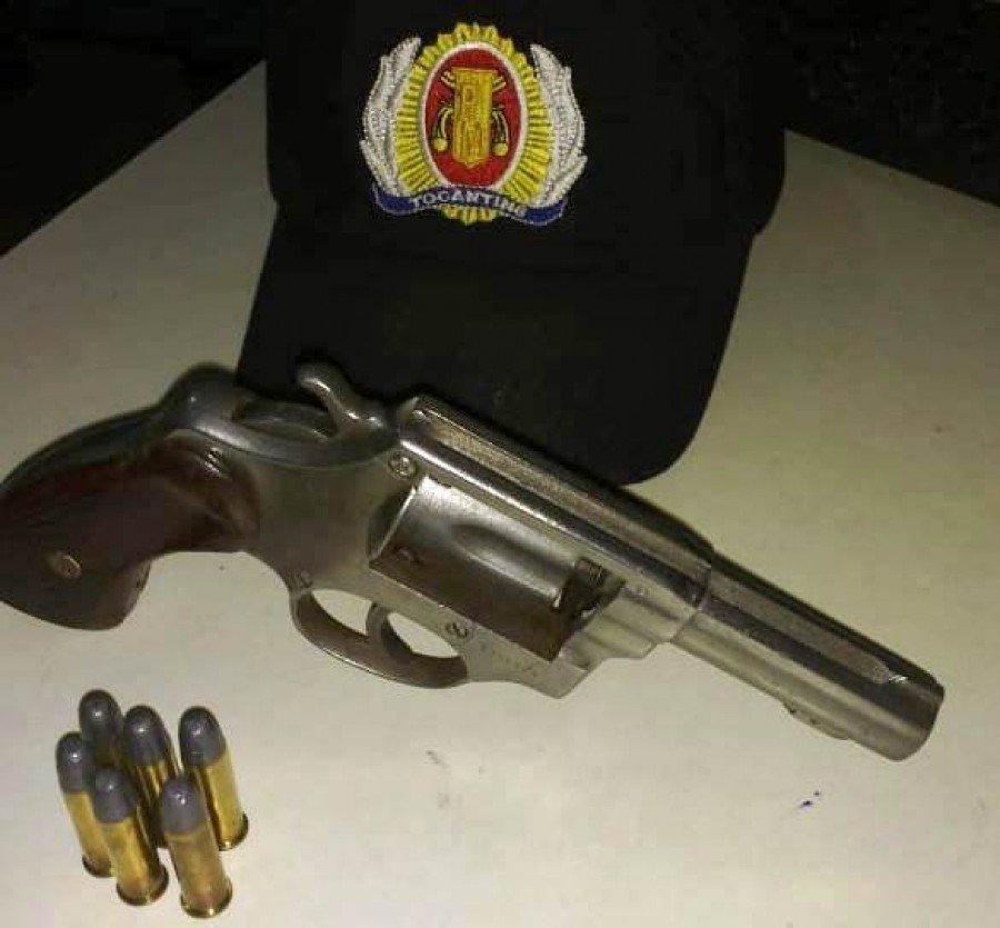Arma e munições apreendidas pela PM em Buriti