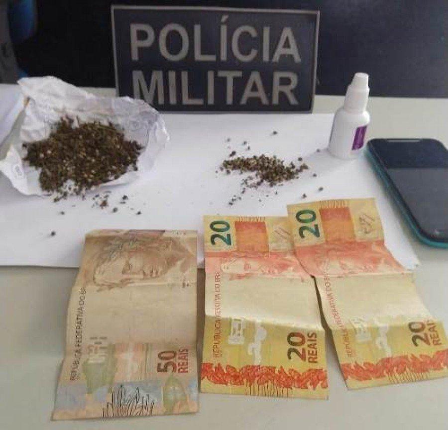 Droga e demais objetos apreendidos pela PM em Augustinópolis