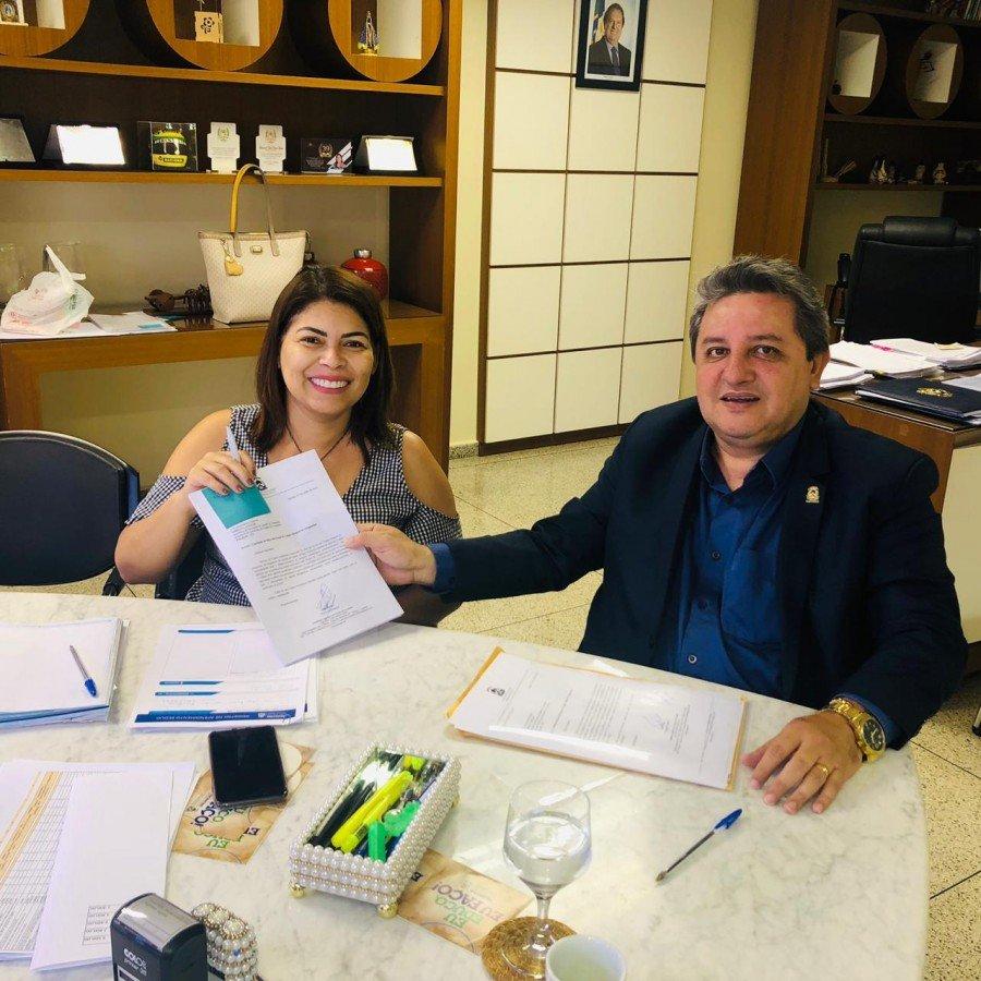 Deputado Jair Farias cobrou término de obras inacabadas no Bico do Papagaio (Foto: Divulgação)